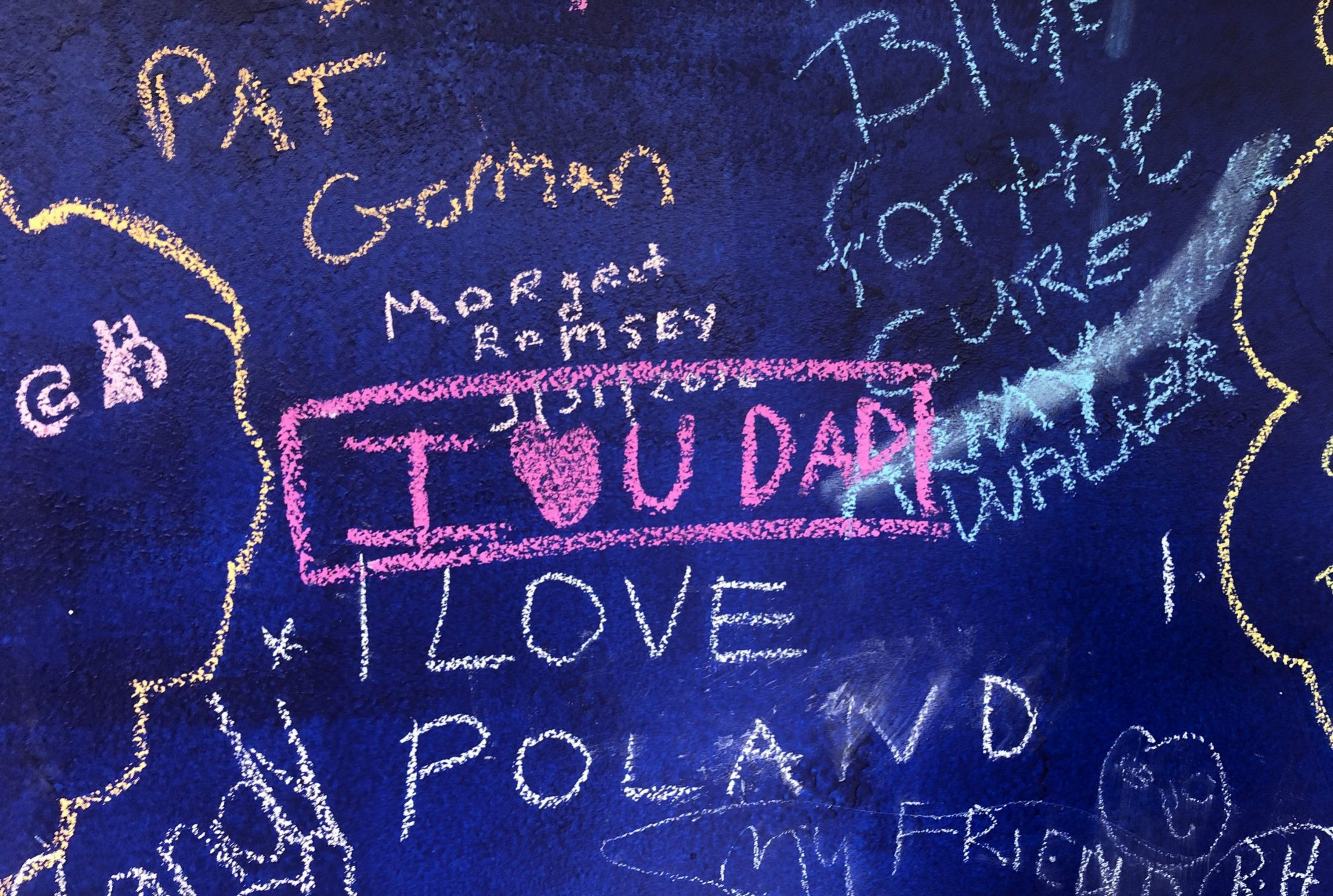 """DC widow blog writer Marjorie Brimley's daughter Claire writes """"I love you Dad"""" on memory board"""