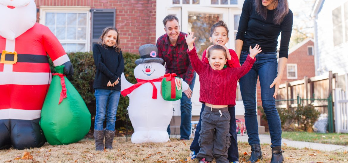 Family of DC widow blog writer in front yard before husband's death