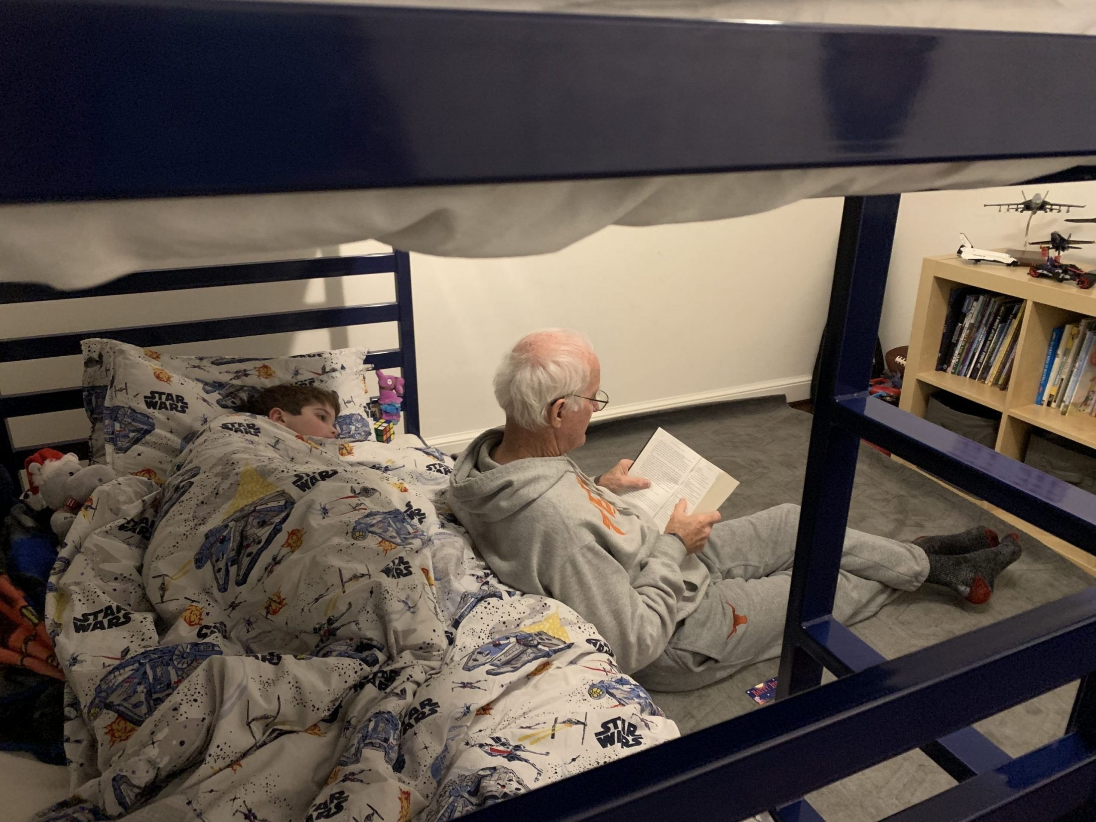 Father of DC widow blog writer Marjorie Brimley reads to her son