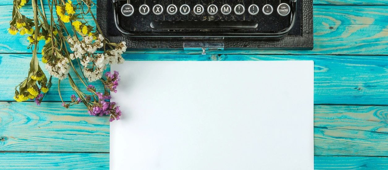 Notes and typewriter like those of DC widow blog writer Marjorie Brimley