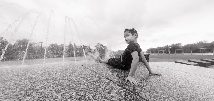 Son of DC widow blog writer Marjorie Brimley plays in fountain